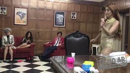 Marcelo Adnet improvisa música para Luiza Possi