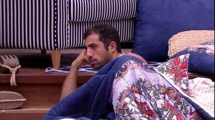 Diego relata a Patrícia e Kaysar conflito que teve com Lucas