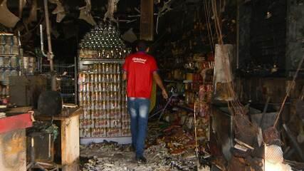 Desespero: incêndio destrói mercadinho no Garcia; major dos Bombeiros explica a ocorrência