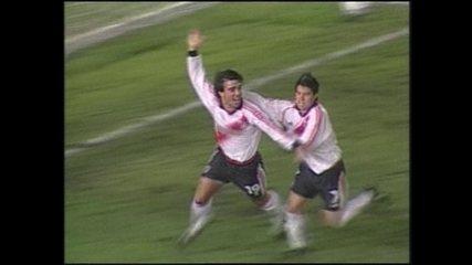 Em 2000, Flamengo perde para o River Plate por 4 a 3 pela Copa Mercosul