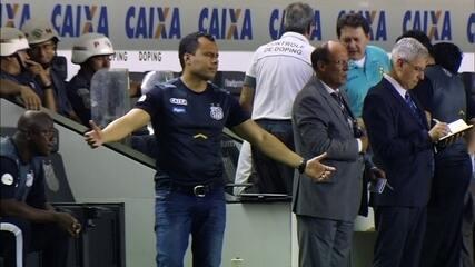 Deu mole, Gabigol! Atacante leva cartão bobo e fica fora do clássico com o Corinthians