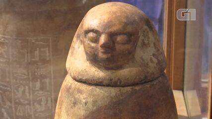 Arqueologistas encontram oito tumbas no Egito