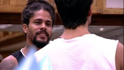 Viegas explica para Lucas o que o irritou