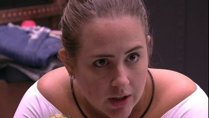 Patrícia desconfia que brother esteja gostando dela: 'Começa o amor com uma brincadeira'