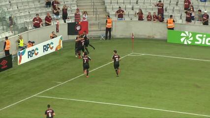 Gol do Atlético-PR! Matheus Anjos toca na medida para João Pedro, que marca sobre o União-
