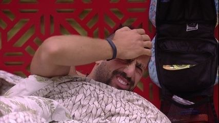 Kaysar acorda com Toque de Despertar no Quarto Tropical