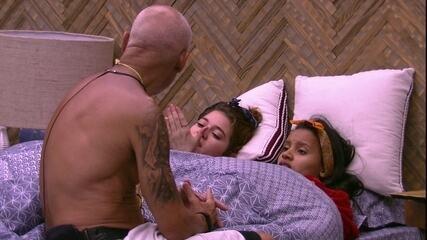 Ana Clara questiona Ayrton sobre Diego: 'Quero saber o que você ficou conversando com ele'