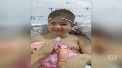 Menina que motivou fila para doação de medula ganha festa de aniversário em hospital