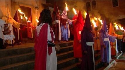 Procissão do Fogaréu, na cidade de Goiás, relembra últimos momentos da vida de Jesus