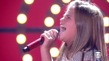 Fabiana Moneró canta 'Wrecking Ball' na semifinal do 'The Voice Kids'