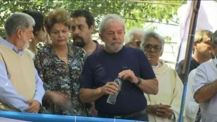 Lula passa quase 48 horas no Sindicato dos Metalúrgicos e é preso no início da noite