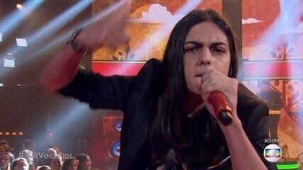 Neto Junqueira canta 'Papo Reto' em seu primeiro solo na final do 'The Voice Kids'