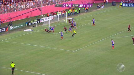 11': Quase! Vitória chega com perigo e Bahia se segura na defesa