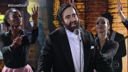 Helga Nemeczyk estreia como Luciano Pavarotti no 'Show dos Famosos'