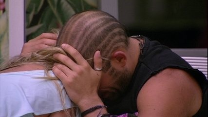 Kaysar revela a Jéssica: 'Eu quero aprender a chorar'