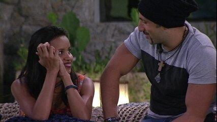 Gleici afirma a Kaysar: 'Tenho um carinho especial por você'
