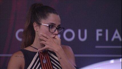 Paula rói as unhas durante a Prova de Imunidade Giro Maluco Fiat