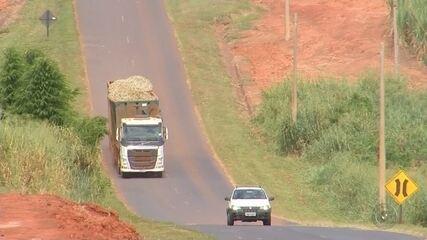 Polícia Rodoviária intensifica fiscalização de caminhões canavieiros no noroeste paulista