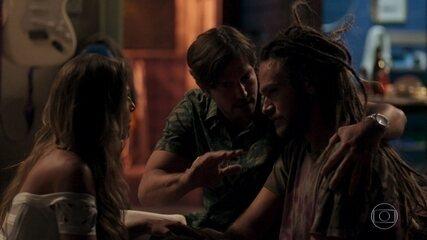 Remy e Karola convencem Beto a fingir sua morte para ajudar a família