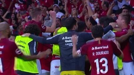 Os gols de Internacional 2 x 1 Corinthians pela 7ª rodada do Campeonato Brasileiro