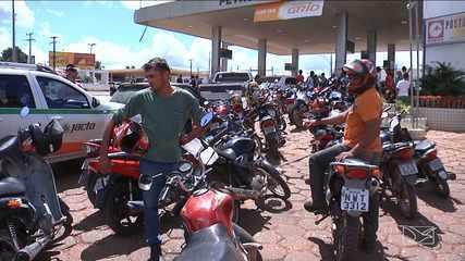 Balsas registra mais um dia de longas filas nos postos de gasolina
