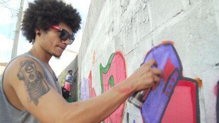 O 'Vumbora' visita a feira e o movimento hip hop de Santo Antônio de Jesus