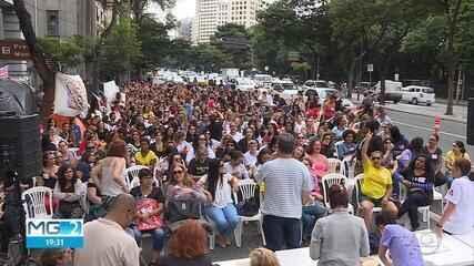 Professores decidem por continuidade de greve de Umeis em Belo Horizonte