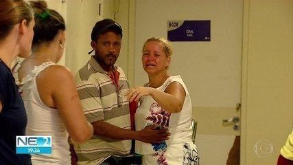 Mãe de jovem morto após ataque de tubarão lamenta a morte do filho