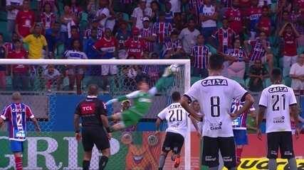 Gol do Botafogo! Leo Valencia acerta uma cobrança linda de falta, aos 38' do 2º tempo