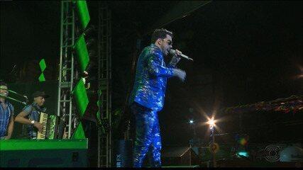Gabriel Diniz foi principal atração da 3ª noite de shows no São João de Campina Grande