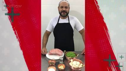Ricardo Rossi ensina a fazer uma costela pururuca