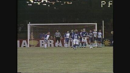 Você se lembra? Cruzeiro goleia Paraná pelo Campeonato Brasileiro de 2003
