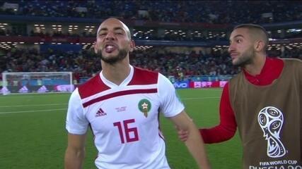 Jogador marroquino reclama do VAR após derrota para a Espanha