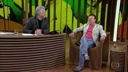 Moacyr Franco fala sobre o sucesso de 'Me Dá Um Dinheiro Aí'