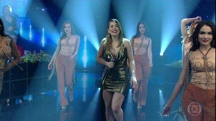 """Naiara Azevedo canta """"Pegada Que Desgrama"""""""
