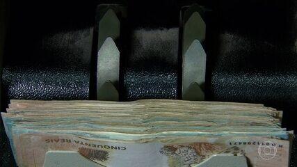 Uso do dinheiro como meio de pagamento ainda é o mais comum no país, diz pesquisa do BC