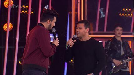 Eduardo Costa fala sobre suas raízes musicais e canta com Luan Santana