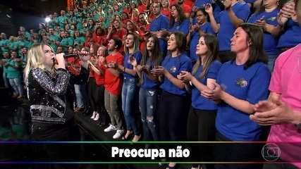 Marília Mendonça canta 'Ausência'