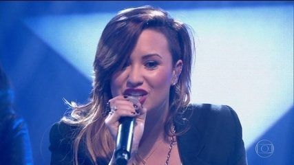 Demi Lovato tem overdose e é internada em Los Angeles, diz site