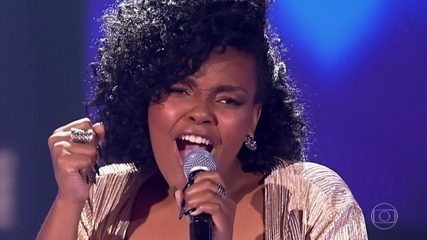 "Andressa Hayalla canta ""Paciência"""