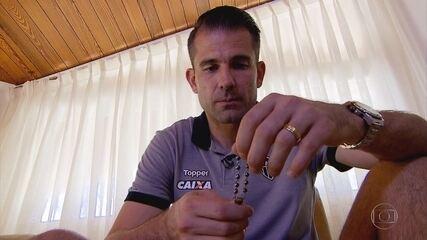 As relíquias de Victor: goleiro do Atlético-MG guarda lembranças e cartas de torcedores