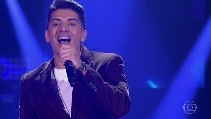 """Renan Valentti canta """"Fruto Especial"""""""