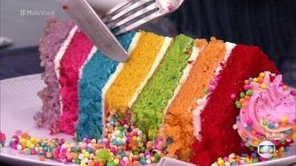 Aprenda a fazer um Naked Cake Arco-Íris