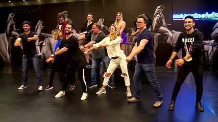 Participantes do 'Dança dos Famosos' fazem aula de FitDance