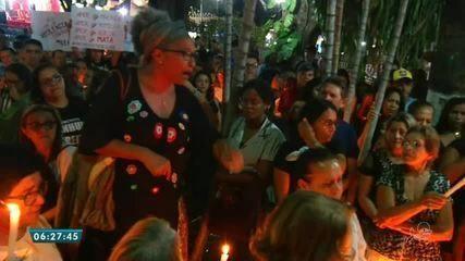 Mulheres fazem protesto contra feminicídio, após morte de professora no Crato