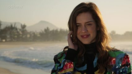 Sophia Abrahão fala de sua relação com o mar e boa forma no Camarim Gshow