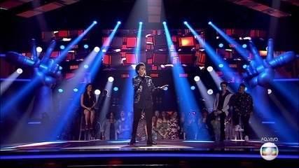 "Meggie Santos canta ""À Francesa"""