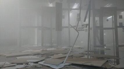 Imagens mostram destruição de agência bancária e movimentação no centro de Bauru