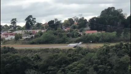 Aeronave com Jair Bolsonaro deixa Aeroporto da Serrinha em Juiz de Fora