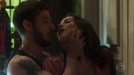 Ícaro e Rosa fazem amor